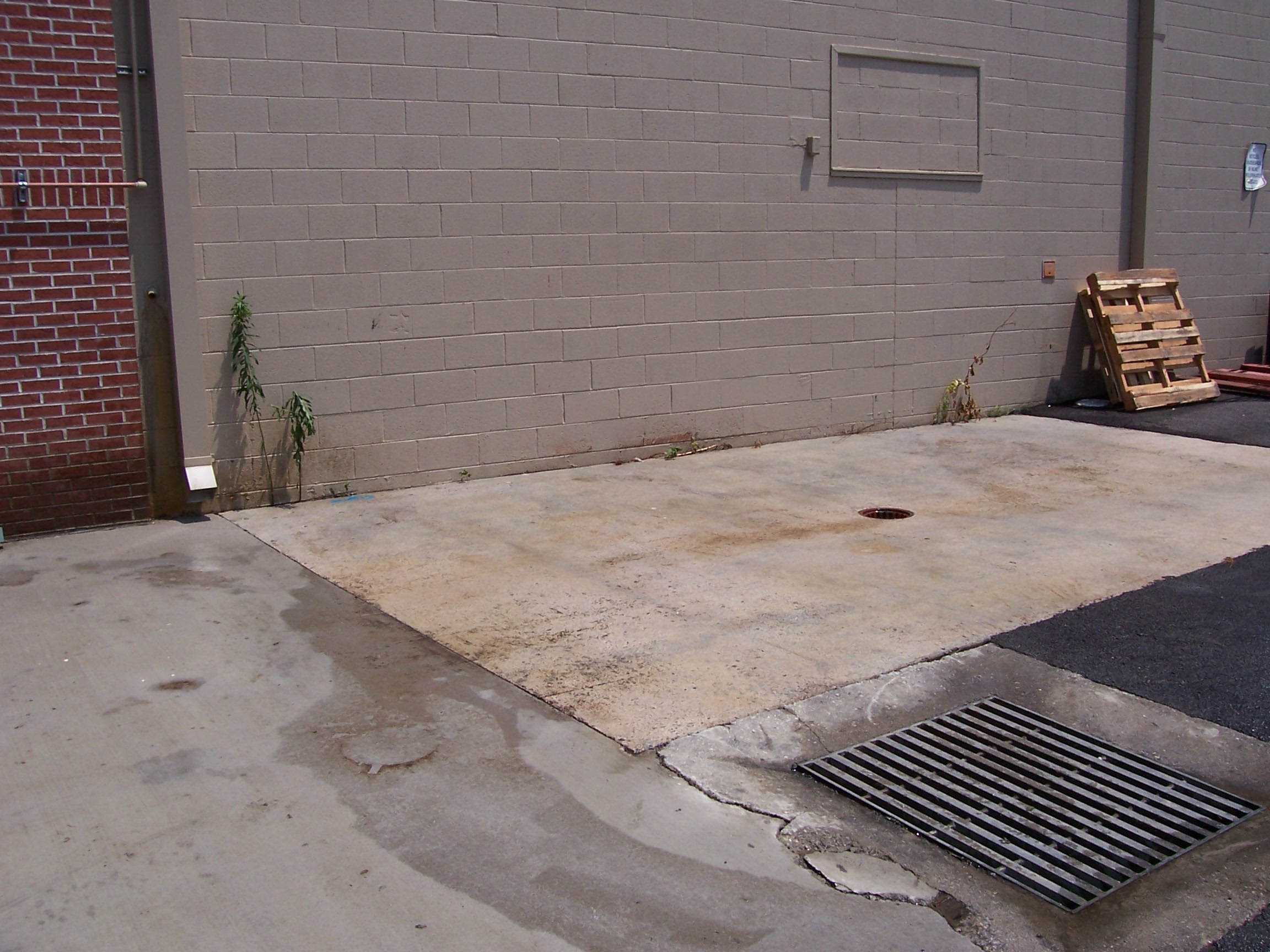 Commercial services new look exterior cleaning llc for Industrial concrete cleaner